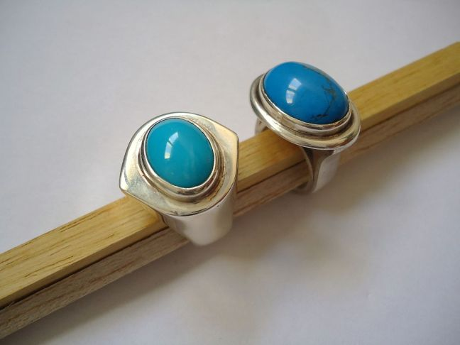 1024px-Turquoise_and_silver_rings